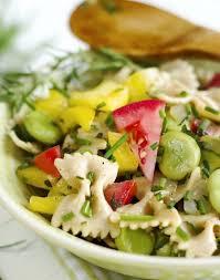 cuisiner des f钁es fraiches salade de pâtes fèves tomates et herbes fraîches régal