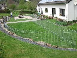 jardin cloture 8 best clôture jardin anneau images on gardens we and