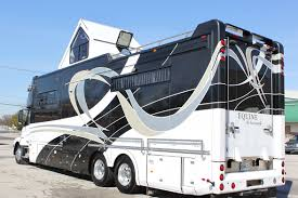 equine motorcoach to showcase 2012 model at horse shows