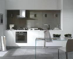 cuisine mur taupe cuisine blanche et taupe cuisine blanche et grise 30 designs