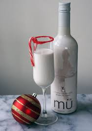 white chocolate peppermint martini 3 easy holiday cocktail garnish ideas we u0027re calling shenanigans