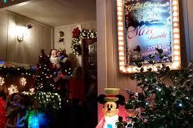 marinwood u0027s mickey mouse christmas house marin mommies