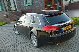opel insignia wagon trunk test opel insignia sports tourer autotests autowereld com