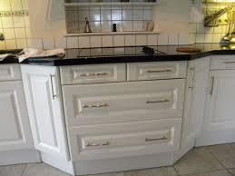 changer les portes des meubles de cuisine changer poignee meuble cuisine galerie avec ranovation porte de