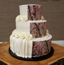 camoflauge cake camouflage wedding cakes are trending and it s but hey