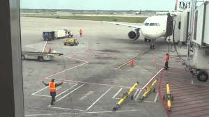 Ramp Operator Job Description Ramp Agent Marshall Delta Airlines A320 At Detroit Metro Airport