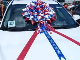 car ribbon to make a big bow