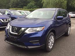 nissan finance with insurance 2017 nissan rogue awarded family car of the year by cars com near