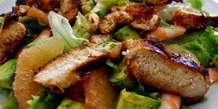 cuisiner la salade verte salade de poulet mariné crevettes et plemousse je cuisine