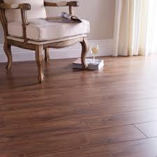 chelsea premium oak laminate flooring