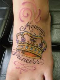 50 meaningful crown tattoos and design