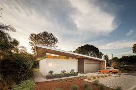 Eichler Style Home Enjoy The Bold Curves Of This Eichler Inspired California Home