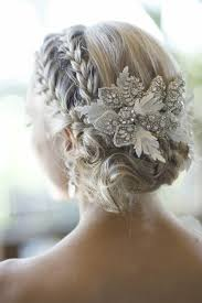 id e coiffure pour mariage déco mariage idee coiffure de mariée strass coiffure mariée
