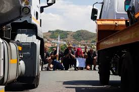 Former Flag Of South Africa Video Blackmonday Protesters Sing U0027die Stem U0027