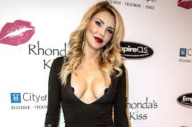 brandi house wives of beverly hills short hair cut brandi glanville of real housewives of beverly hills wears nipple
