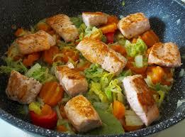 cuisiner le chou chinois poêlée de chou chinois aux carottes et au saumon diet délices