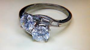 pawn shop wedding rings toms river cops pawn shop swapped stolen ring s diamonds for