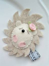 felt hedgehog ornament this would be sooo as a