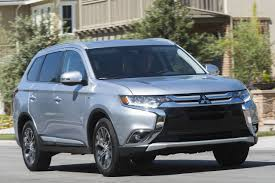 mitsubishi outlander interior comparison mitsubishi outlander vs nissan rogue