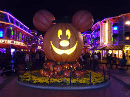 city place halloween west palm beach well traveled kids tips for a family trip mickey u0027s halloween