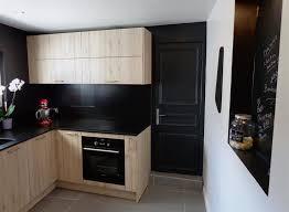 cuisine en chene moderne cuisine chêne sablé et noir atdeco photo n 77 domozoom