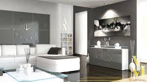 Wohnzimmer Tapeten Weis Schlicht Gehaltenes Wohnzimmer In Weiß Und Grau Design
