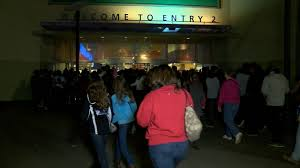 thousands crowd concord mall for thanksgiving day sales story wjzy
