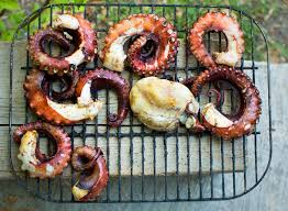 cuisine au barbecue comment préparer et cuire un poulpe
