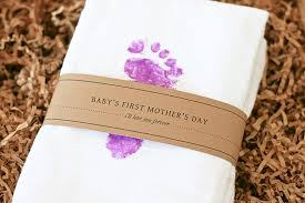 s day gift ideas from baby diy baby s s day gift idea the honest company