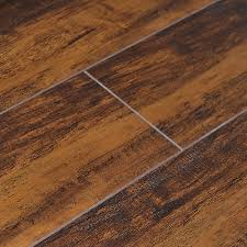 Maple Laminate Flooring Quickstyle 5 Inch W Revolution Caramelized Maple Laminate Flooring