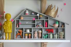 etagere maison bloomingville vaisselle en bois pour maison simple si certaines sont