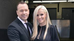 jenny mccarthy halloween party donnie wahlberg gave jenny mccarthy a terrible surprise for her