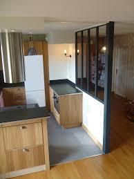 fermer une cuisine ouverte cuisine ouverte avec verrière style atelier