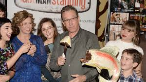 Abc Tv Kitchen Cabinet by Conservatives Slam Abc For Its Decision To Cancel Tim Allen U0027s