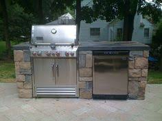 Small Outdoor Kitchen Something Simple Grill Counter Space With - Simple outdoor kitchen
