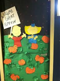 diy halloween door decoration that was on a college dorm door