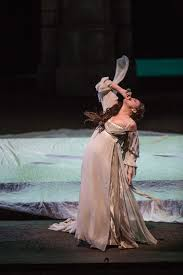 flash first look at lyric opera of chicago u0027s romeo and juliet