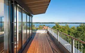balkon design weitläufiger balkon im design holzhaus baufritz lifestyle