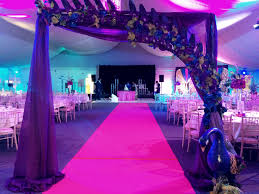 peacock themed wedding decoration perfect theme indian wedding maz
