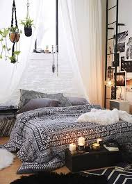Interior Decorating Tips For Small Homes by Best 25 Decorating Small Bedrooms Ideas On Pinterest Small