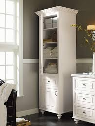 planning bathroom linen cabinets for your storage solution