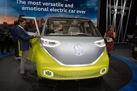 volkswagen id buzz concept debuts in detroit
