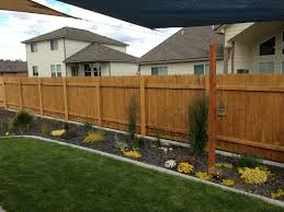 Fence Ideas For Backyard by Best 25 Metal Fence Posts Ideas On Pinterest Wooden Fence Posts