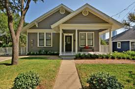 3br 2ba downtown austin charming bungalow ra88220 redawning
