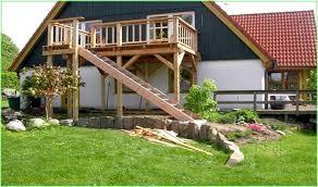 balkon mit treppe treppe selber bauen holz