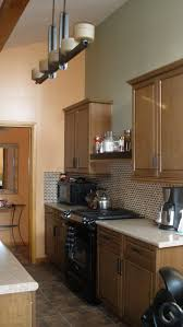 the accent paint color on one wall keeps the space from being