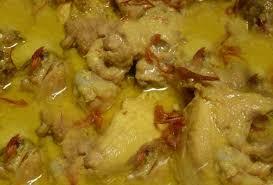 menu pelengkap opor ayam resep opor ayam khas indonesia dengan bumbu tradisional yang lezat