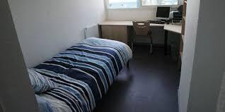 chambres universitaires à rennes un projet de lits connectés en cité u fait polémique
