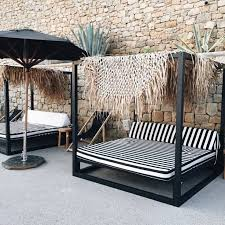 Outdoor Daybed Furniture by Best 25 Modern Outdoor Lounge Furniture Ideas On Pinterest