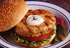 cuisiner le saumon frais hamburgers au saumon frais coup de pouce